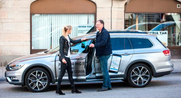 Johanna Thuresson på VW kom med en passat till Vi Bilägares reporter för en provkörning.