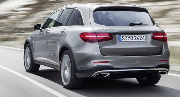 Mercedes GLC – som just nu är i testlagets händer inför ett kommande nummer – är en av modellerna med tre små LED-lampor som dimljus. Även C- E- och S-klass är drabbade av Mercedes LED-sjuka.