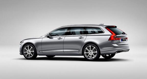 Sveriges mest sålda bil 2017? Nya V90 lär bli lika populär i Sverige som stora kombibilar från Volvo brukar vara. Men först kommer VW Golf att bryta en 51-årig tradition.