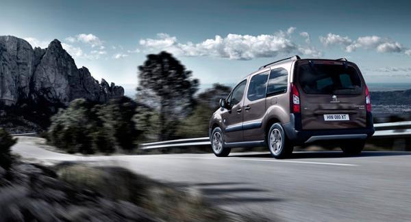 Frågeställaren undrar om det är värt att lägga pengar på en nyinköpt Peugeot Partner Tepee.