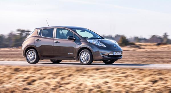 2016 års Leaf erbjuds med två olika batterier, 24 eller 30 kWh. Det större kostar 19000 kronor extra.