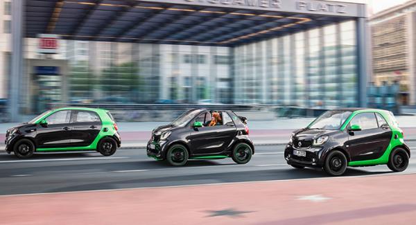 ForFour, ForTwo Cabrio och vanliga ForTwo – samtliga nu med eldrift.