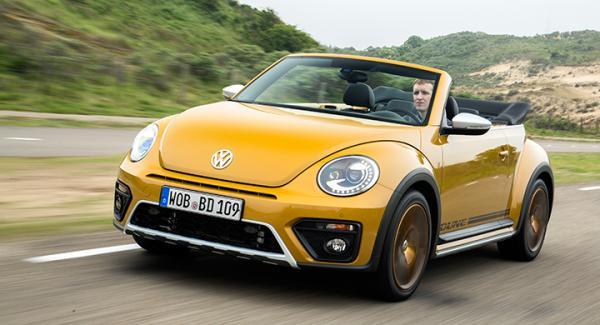 I en tid när bilar tävlar om att se så aggressiva ut som möjligt är Beetle Dune ett muntert inslag.