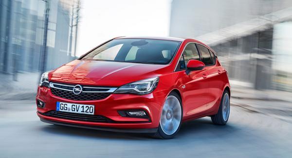 Frågeställaren undrar om nya Opel Astra har wattlänk eller ej.