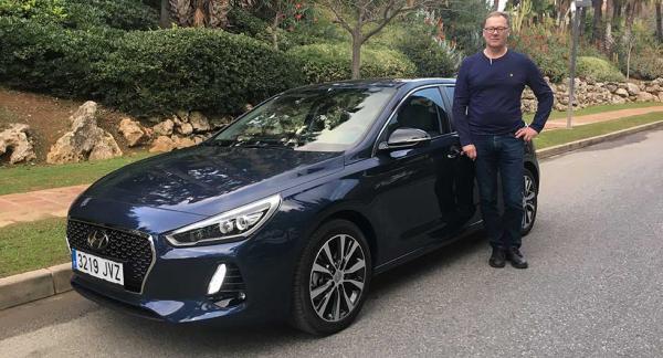 Vi Biläghares reporter Erik Rönnblom tycker att nya Hyundai i30 känns stabil reaktionssnabb.