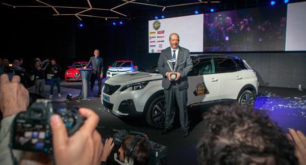 Prisregn över Peugeot 3008 som blev Årets Bil 2017.