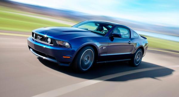 2577 bilar av modellen Ford Mustang återkallas i Sverige. Detta på grund av att de har defekta krockkuddar från Takata.