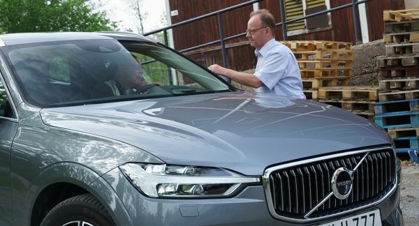 Hur bra är egentligen nya Volvo XC60? Jag (i bilen) diskuterar den saken med testledaren Calle Carlquist, som är den som författat det högintressanta testet som kan läsas i nummer 10 av papperstidningen.