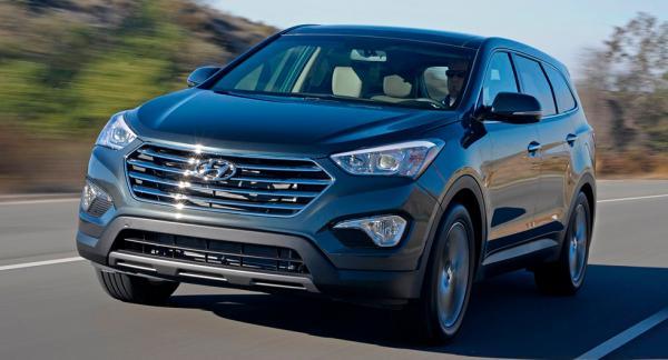 Över 400.000 Hyundai Santa Fe återkallas i USA, på grund av problem med motorhuven. Enligt svenska Hyundai är detta ett fel som bara omfattar bilar byggda för amerikanska marknaden.