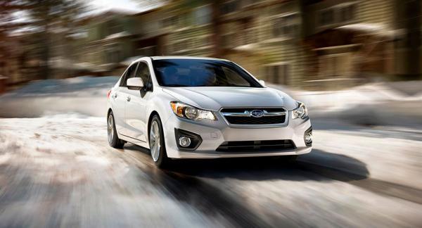 Signaturen Rolle har en Subaru Impreza från 2013 och har upptäckt att däcken slits ojämnt.