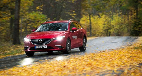 Frågeställaren har precis köpt en ny Mazda 6 och undrar om det är en bra idé att investera i extra rostskydd.