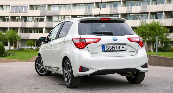 Frågeställaren har precis köpt en ny Toyota Yaris Hybrid och undrar om en extra rostskyddsbehandling är något att investera i.