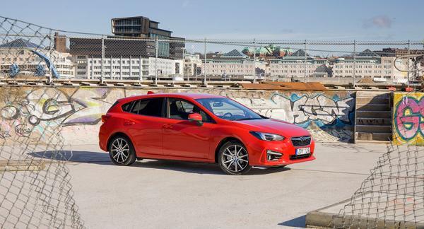 214.900 kronor är grundpriset för nya Subaru Impreza.