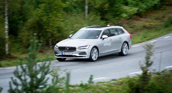 Volvo V90 blev tillsammans med S90 vanligast förekommande bland mars månads registreringar av nya bilar.