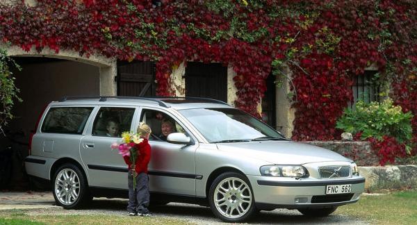 Det går inte att eftermontera Isofix i framsätet på en Volvo V70 från 2005. Däremot är bilen förberedd för Isofix-fästen i baksätet.