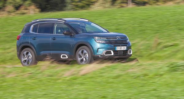 Citroën är inte rädd för att sticka ut och har gett sin komfortsuv en fräck design som många gillar.