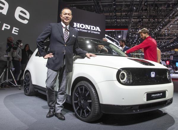 Projektledaren för Hondas nya elbil, Kohei Hitomi, tror på lägre servicepriser framöver.