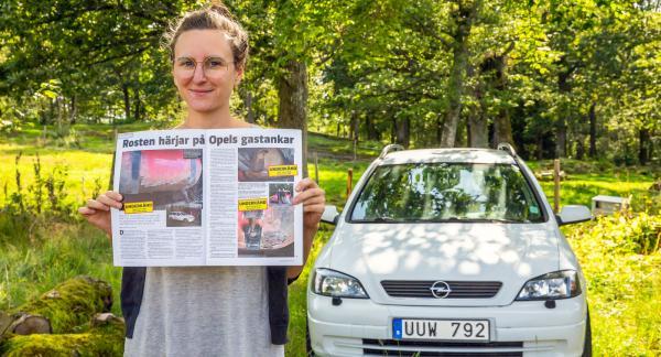 Jenny Löfgrens bil är ett undantag.  Efter Vi Bilägares artikel valde Opel att byta de rostiga gastankarna på den 15 år gamla bilen. Andra bilar som är över tio år och har samma problem får dock ingen hjälp.