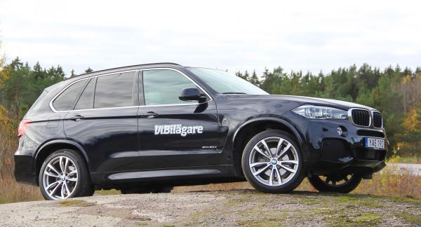 BMW X5 klarar vägen till fjällstugan men är ingen renodlad terrängbil.