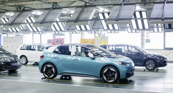 Åtta MEB-fabriker i Europa, Kina och USA kommer att ingå i Volkswagens produktionsnät 2022. Fabriken i tyska Zwickau kommer ensam att tillverka 330 000 elbilar per år när den sista utbyggnadsfasen avslutas 2021.