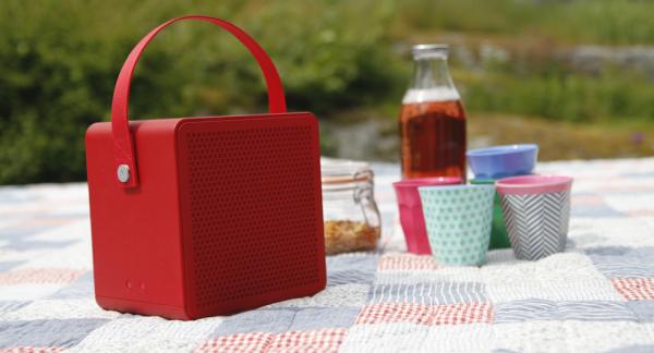 Att ha med sig musik på picknickfilten kan lyfta vilken blaskig saft som helst till oanade höjder.