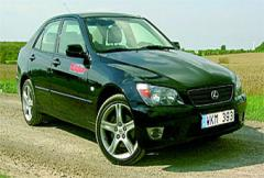Begtest: Lexus IS200