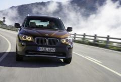 BMW visar nya X1