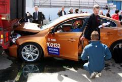 Nya Volvo S60 gick in i väggen