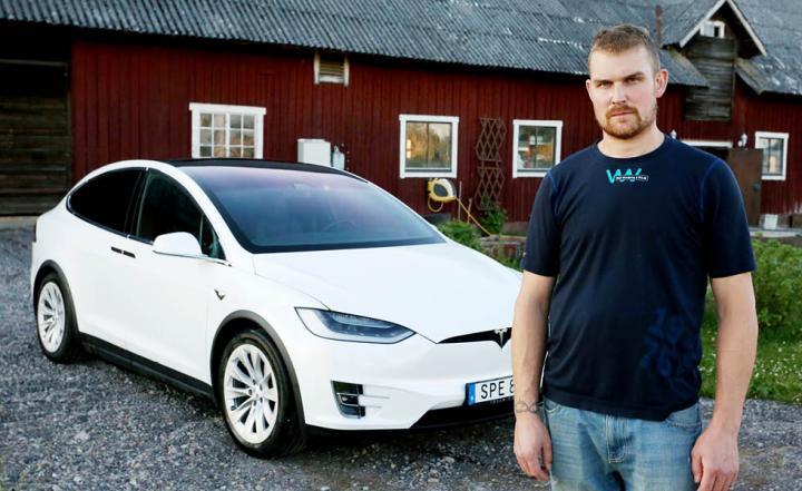 Efter påtryckningar fick Mikael Hultquist drivaxlarna utbytta på sin Tesla Model X.