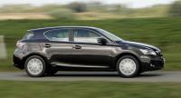 Lexus CT 200h. Nya Lexus CT 200h är den första fullhybriden bland de mindre prestigebilarna. Den börjar säljas i Sverige i vår och är tänkt som en utmanare till i första hand Audi A3 och BMW 3-serien.